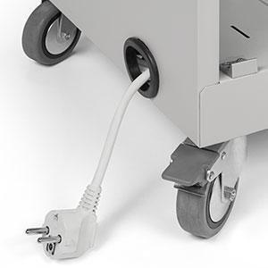 Aperturas pasacables y almacenamiento cable de alimentación